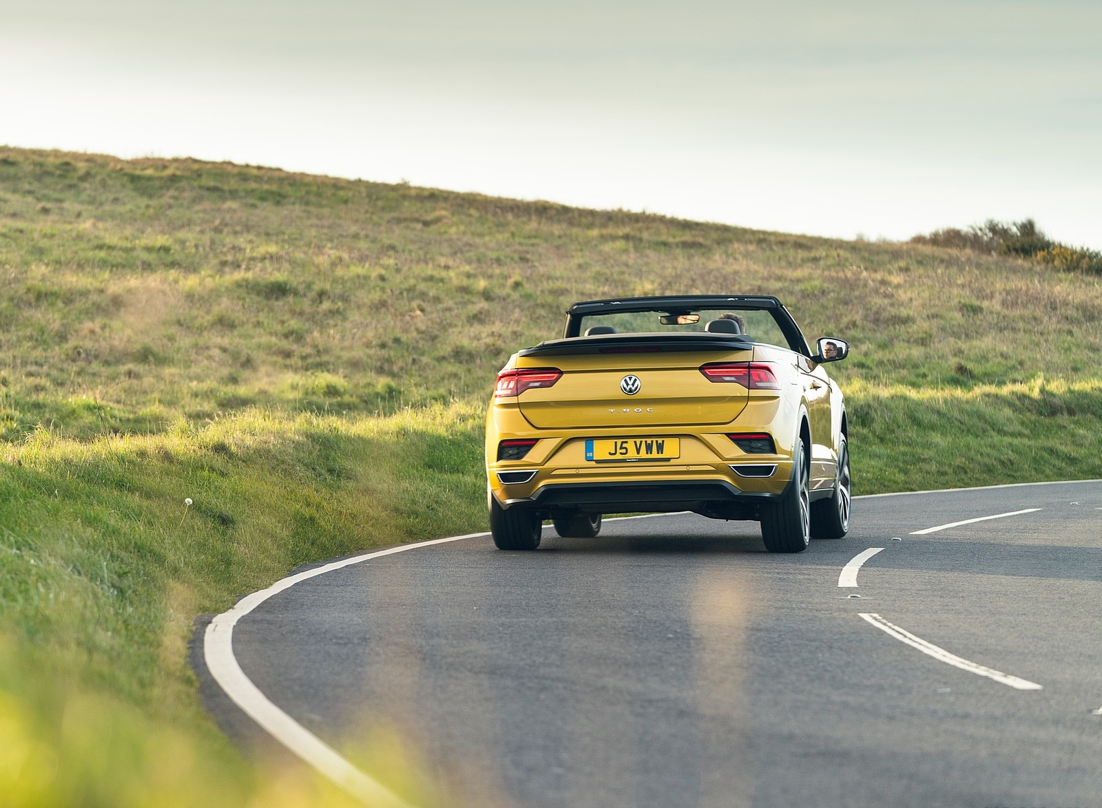 2020 Volkswagen T-Roc R-Line Cabriolet (UK-Spec) Rear Wallpapers (9)