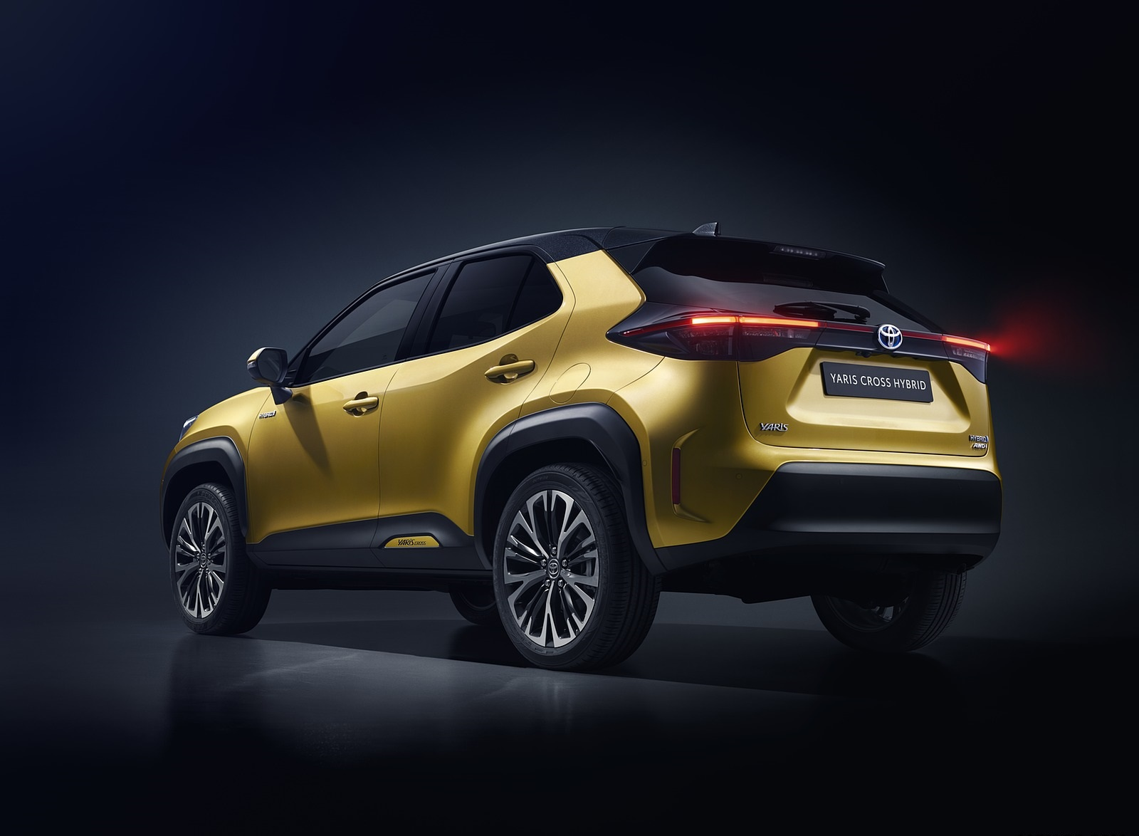 2021 Toyota Yaris Cross Hybrid AWD Rear Three-Quarter Wallpapers (7)
