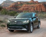 2021 Volkswagen Atlas Basecamp Front Three-Quarter Wallpapers 150x120 (2)