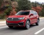 2021 Volkswagen Atlas SEL Premium 4Motion Front Three-Quarter Wallpapers 150x120 (1)