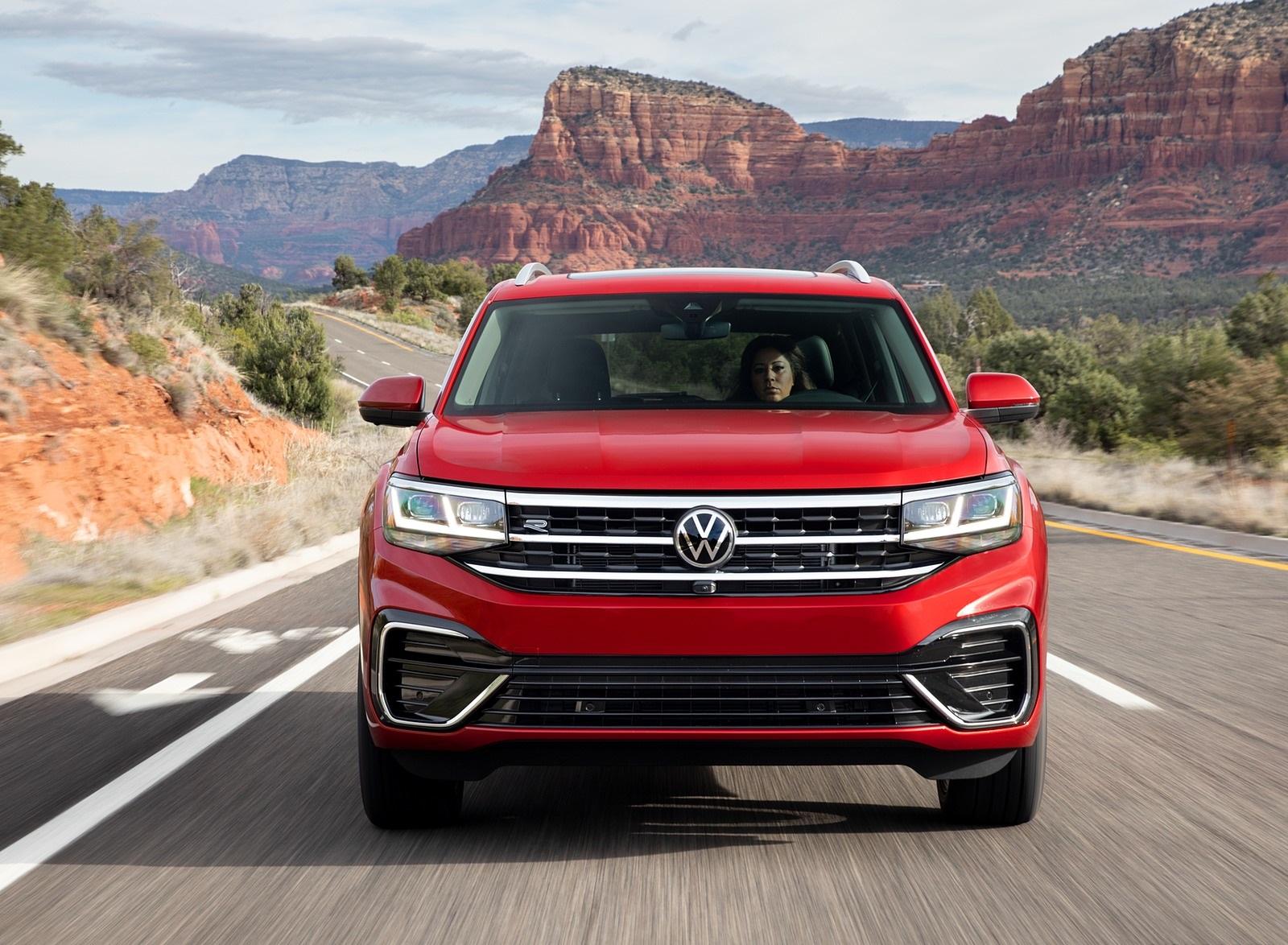 2021 Volkswagen Atlas SEL Premium 4Motion Front Wallpapers (3)