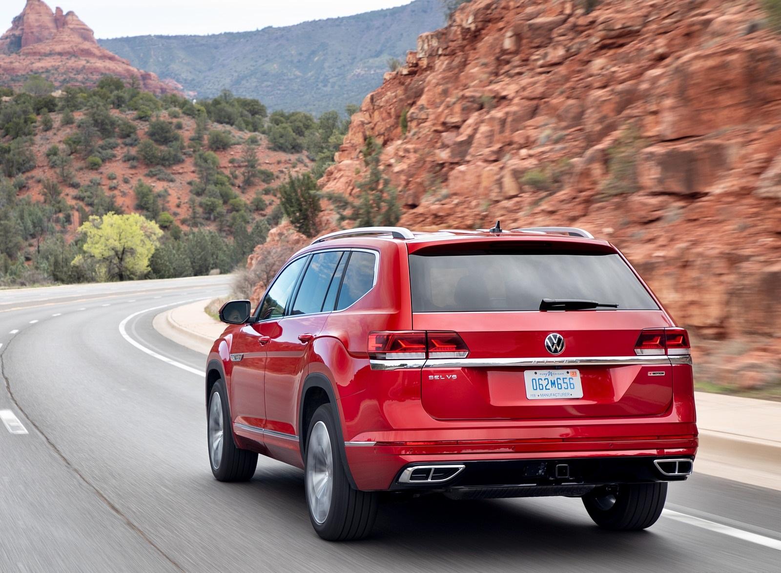 2021 Volkswagen Atlas SEL Premium 4Motion Rear Three-Quarter Wallpapers (5)