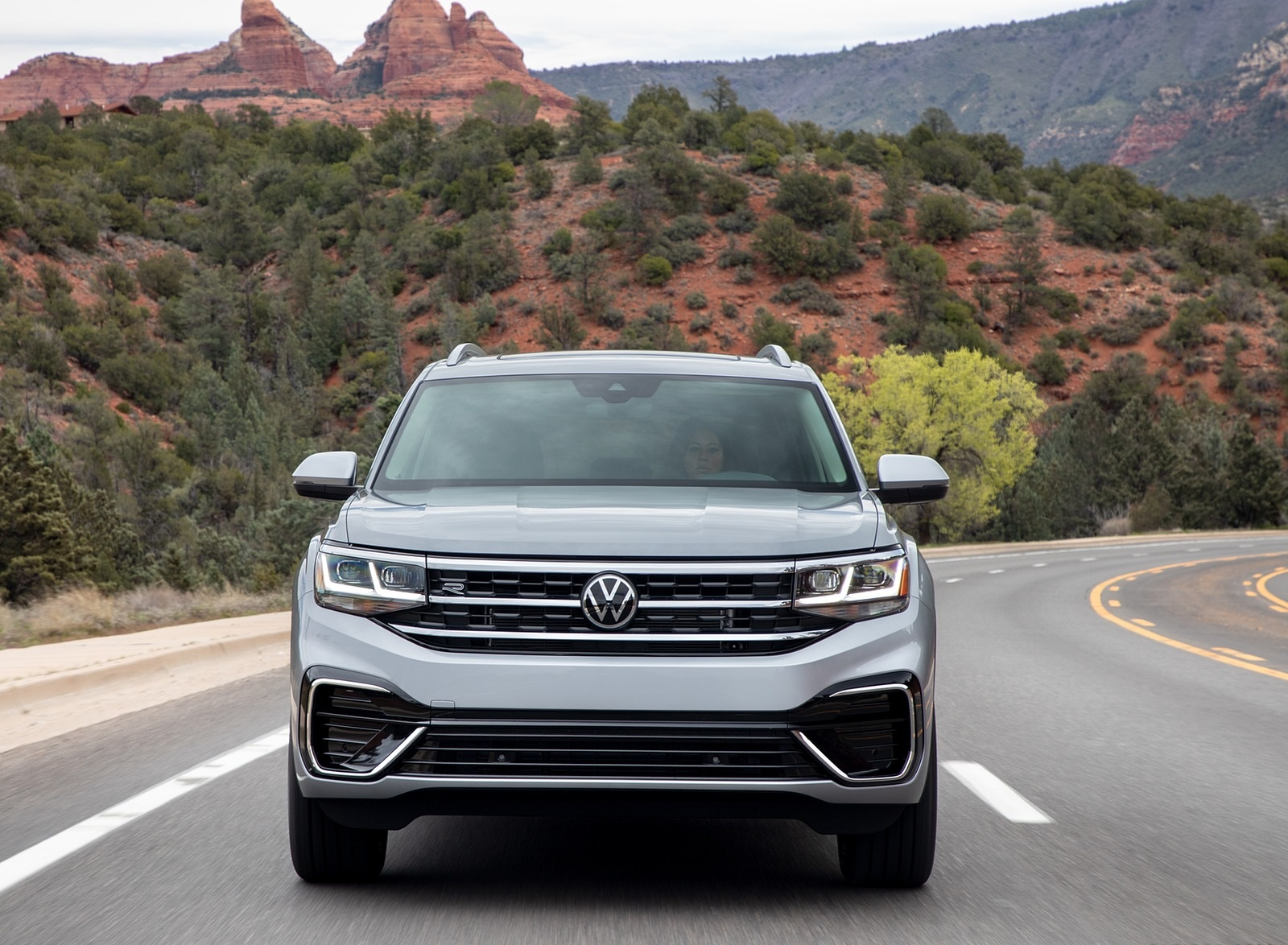 2021 Volkswagen Atlas SEL R-line Front Wallpapers (3)