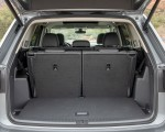 2021 Volkswagen Atlas SEL R-line Trunk Wallpapers 150x120 (44)