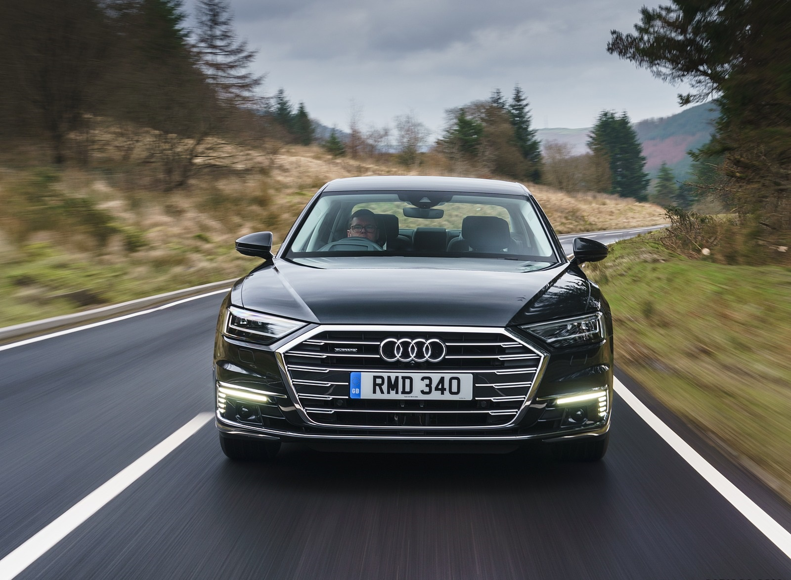 2020 Audi A8 L 60 TFSI e quattro (Plug-In Hybrid UK-Spec) Front Wallpapers (10)