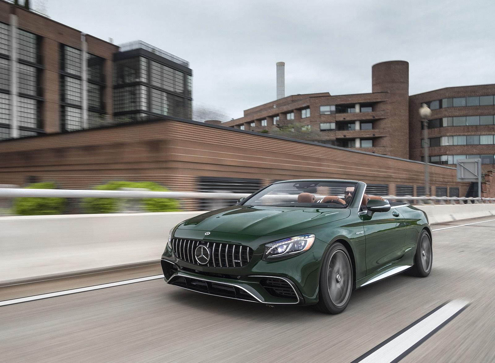 2020 Mercedes-AMG S 63 Cabriolet (US-Spec) Front Three-Quarter Wallpapers (6)