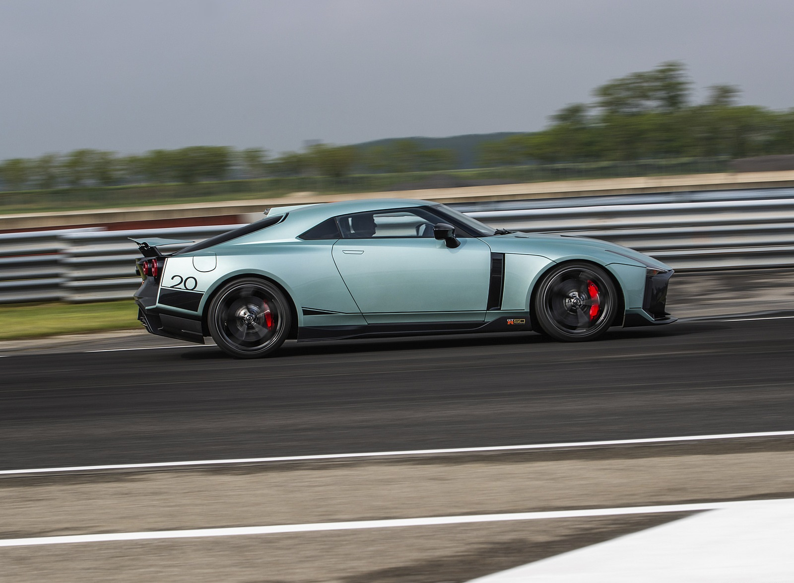 2020 Nissan GT-R 50 by Italdesign Side Wallpapers (6)
