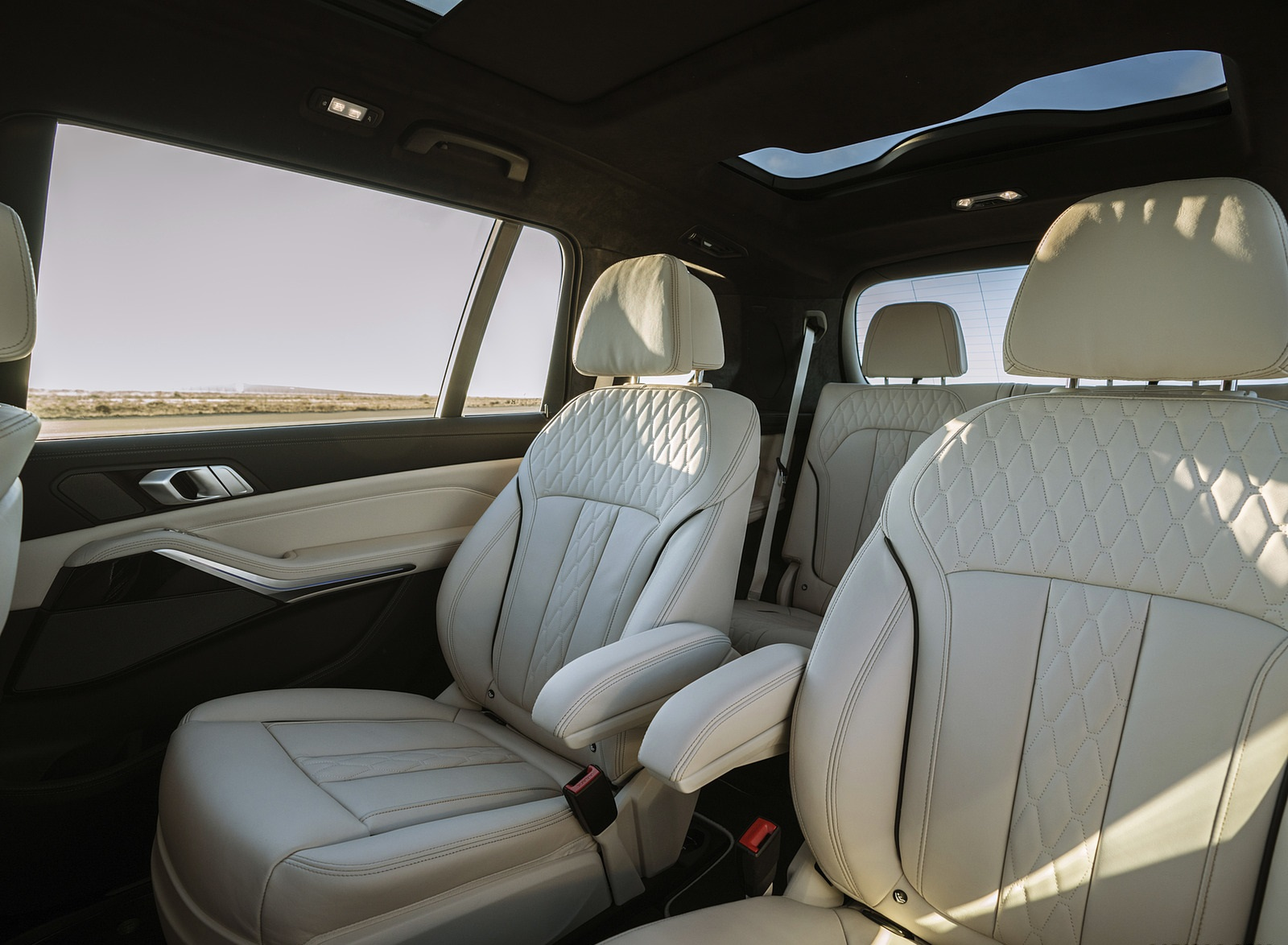 2021 Alpina Xb7 Based On Bmw X7 Interior Rear Seats Wallpapers 31 Newcarcars