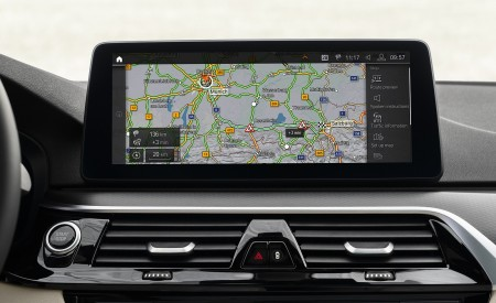 2021 BMW 5 Series Central Console Wallpapers 450x275 (33)