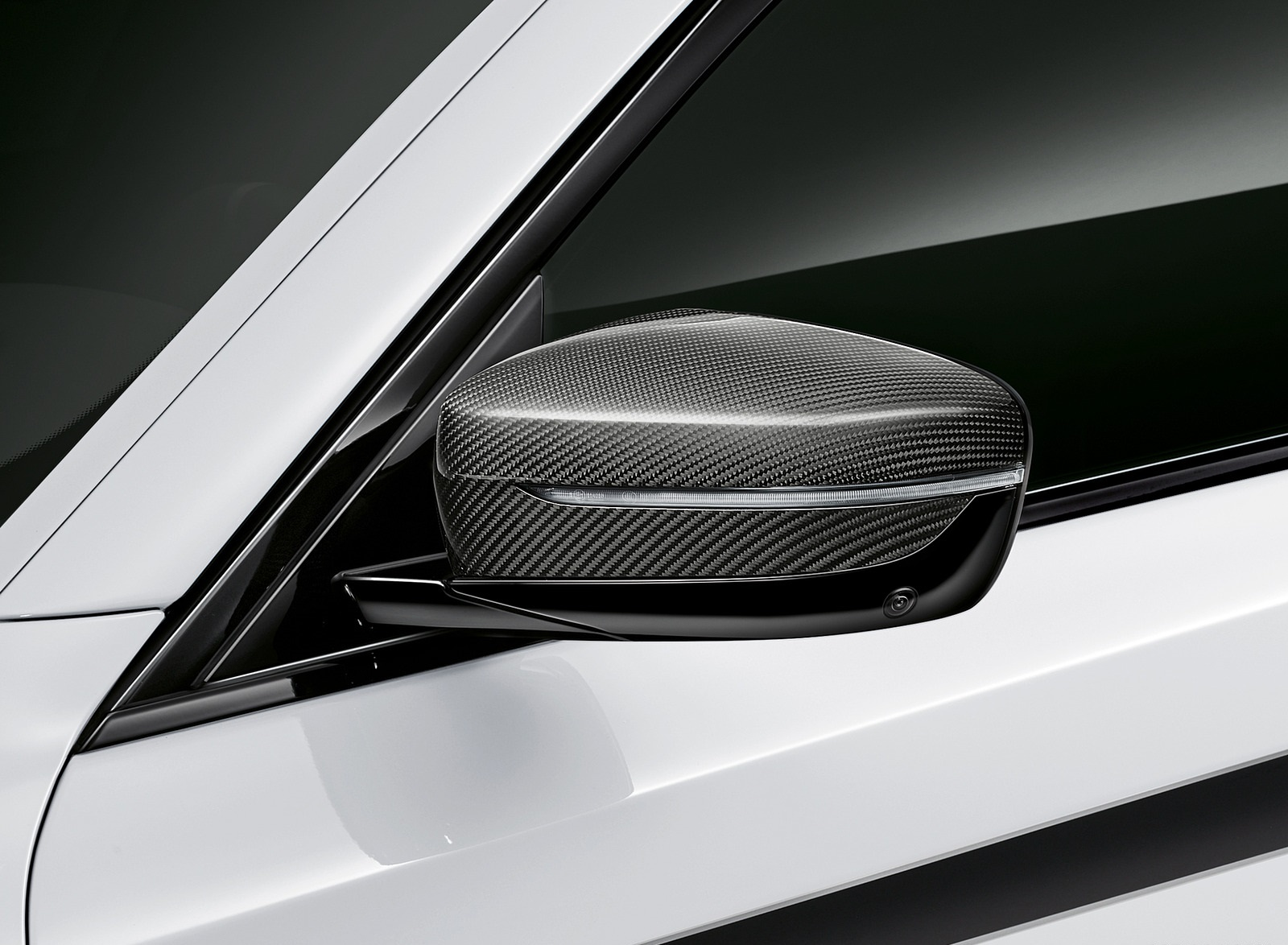 2021 BMW 5 Series M Performance Parts Mirror Wallpapers (8)