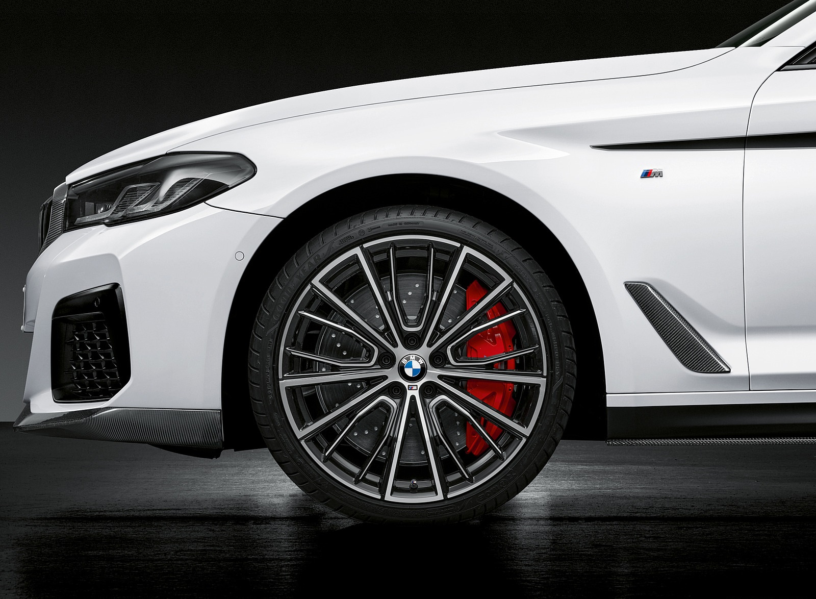 2021 BMW 5 Series M Performance Parts Wheel Wallpapers (10)