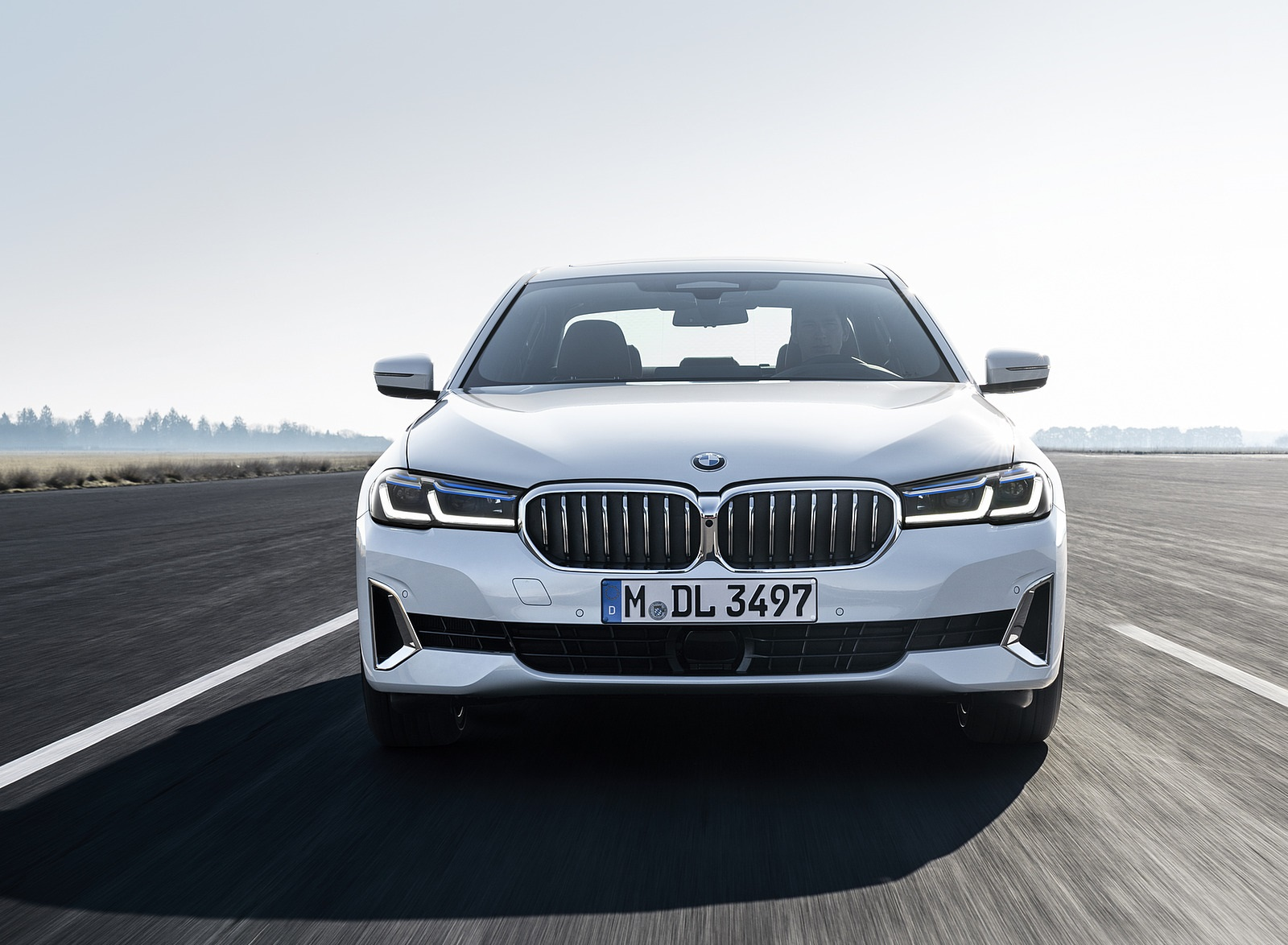 2021 BMW 540i Front Wallpapers (4)