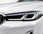 2021 BMW 540i Headlight Wallpapers 150x120 (17)