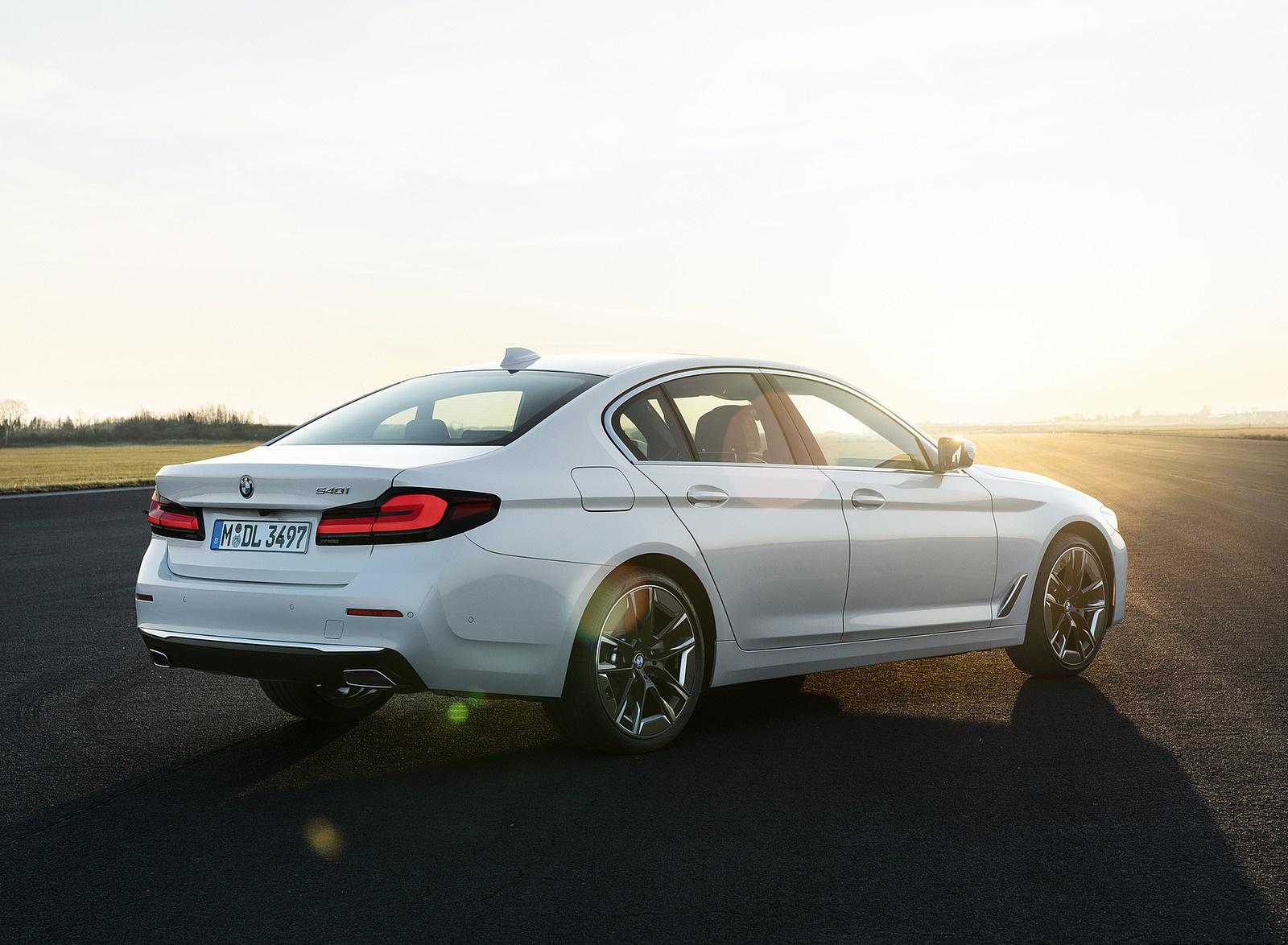 2021 BMW 540i Rear Three-Quarter Wallpapers (9)