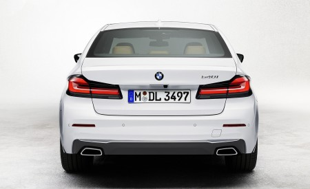 2021 BMW 540i Rear Wallpapers 450x275 (13)