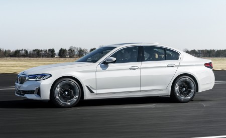 2021 BMW 540i Side Wallpapers 450x275 (7)