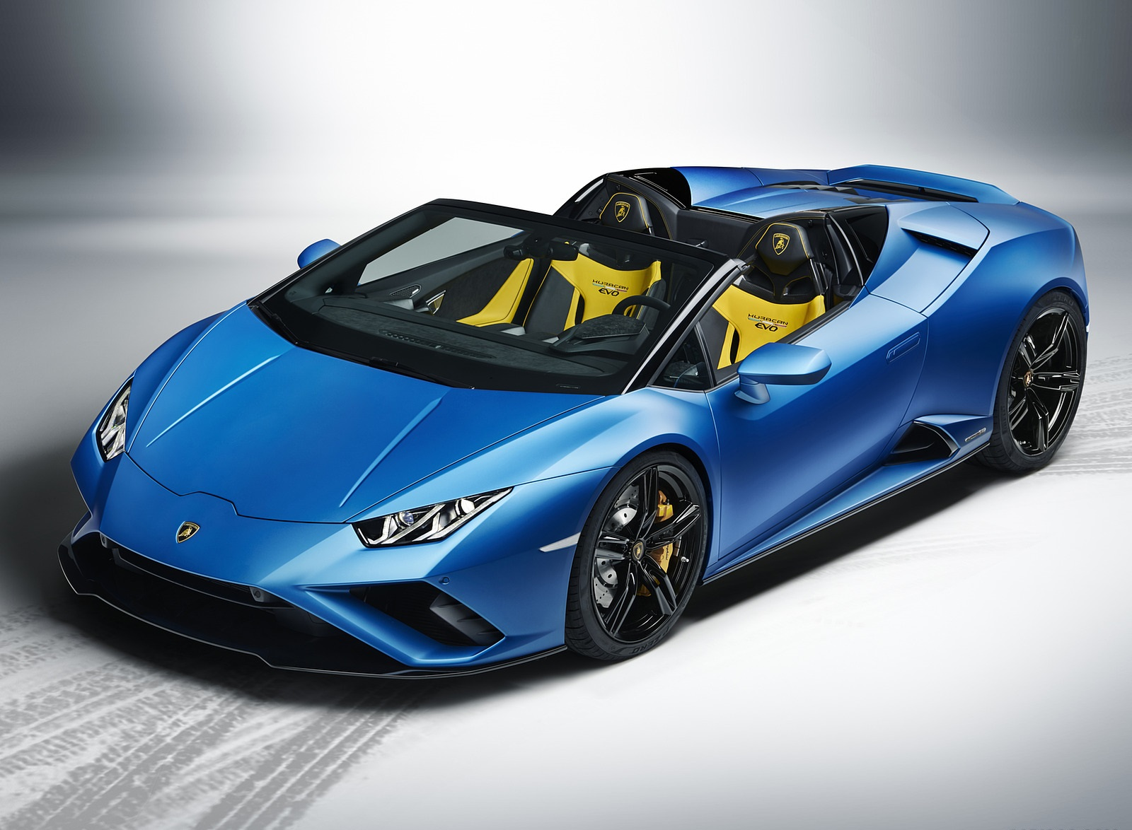 2021 Lamborghini Huracán EVO RWD Spyder Front Three-Quarter Wallpapers (5)