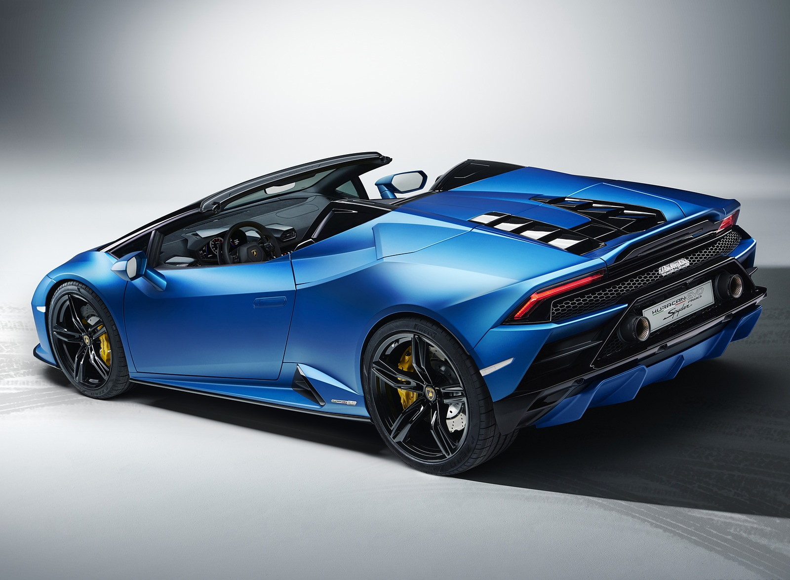2021 Lamborghini Huracán EVO RWD Spyder Rear Three-Quarter Wallpapers (7)