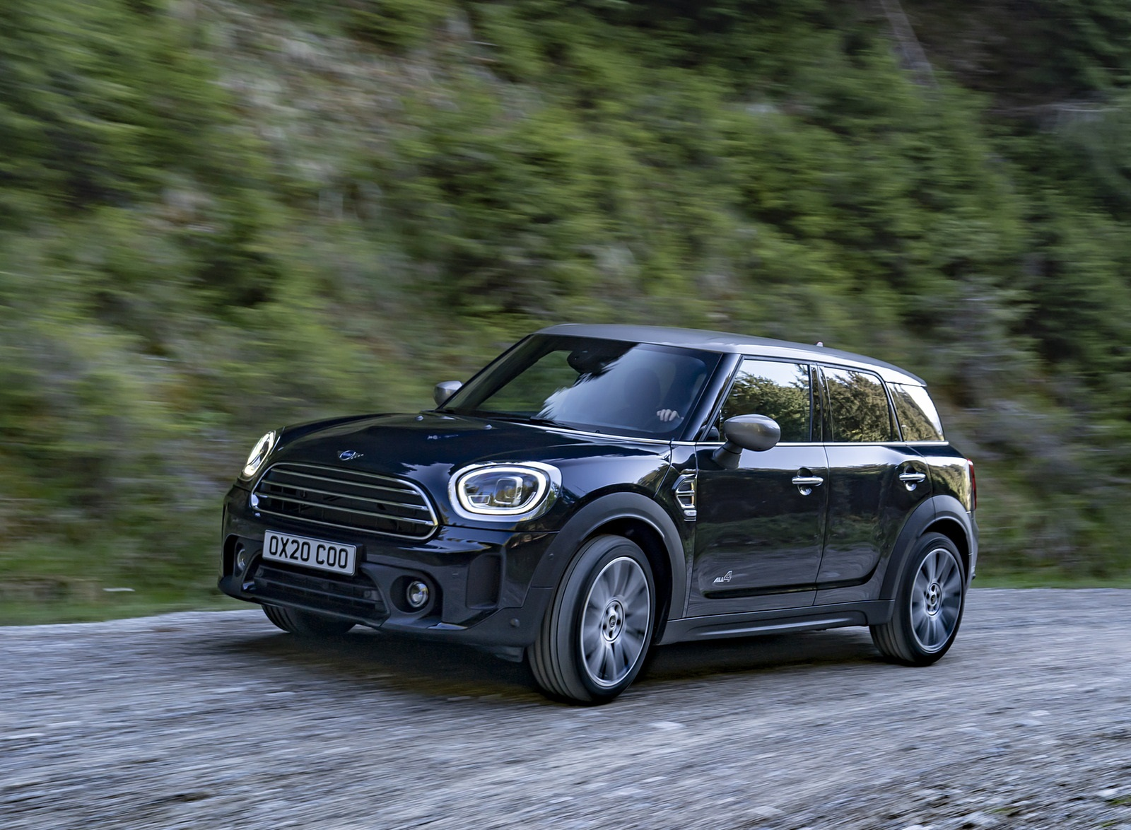 2021 MINI Countryman ALL4 Front Three-Quarter Wallpapers (2)