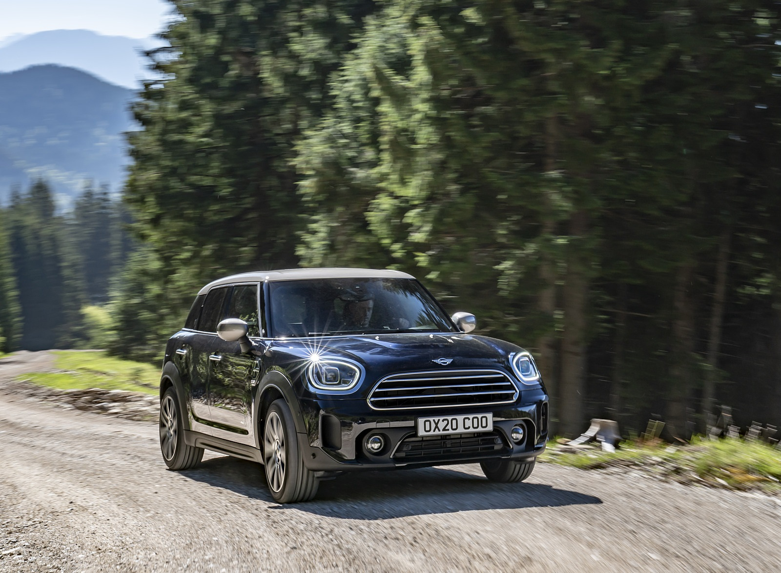 2021 MINI Countryman ALL4 Front Three-Quarter Wallpapers (6)