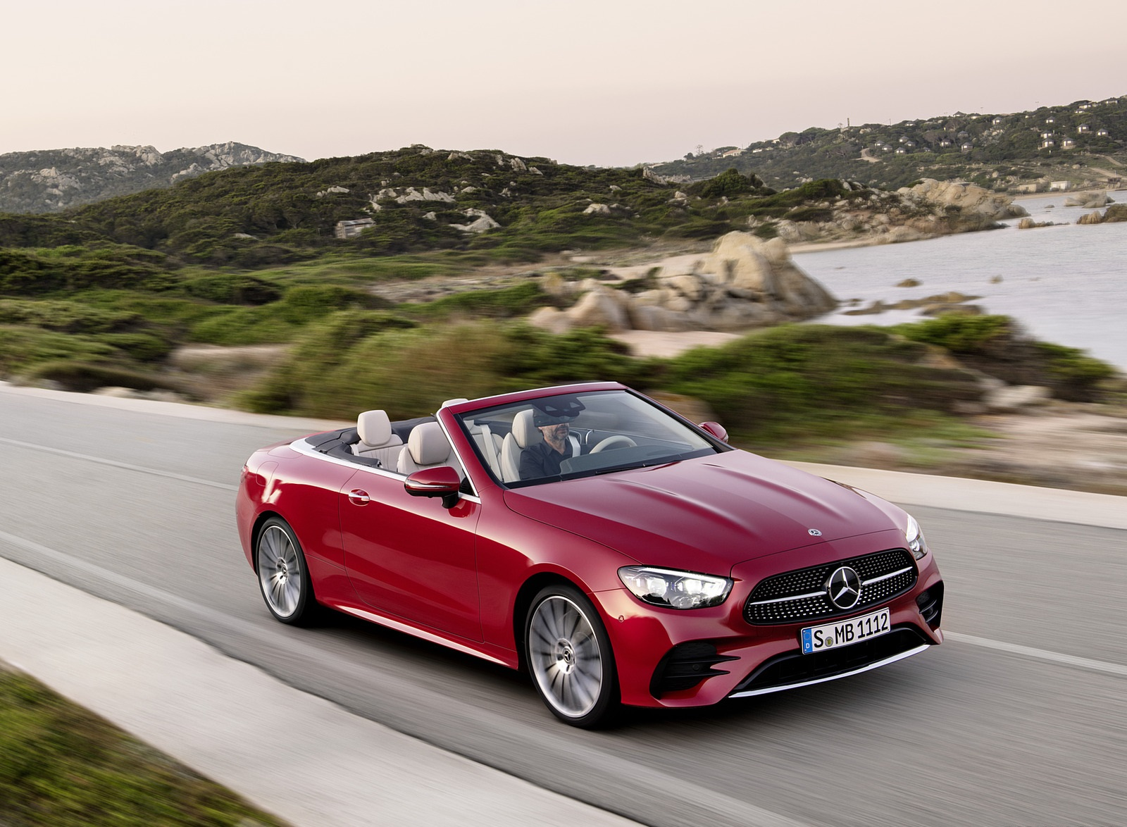 2021 Mercedes-Benz E 450 4MATIC Cabriolet AMG Line (Color: Designo Hyacinth Red Metallic) Front Three-Quarter Wallpapers (3)