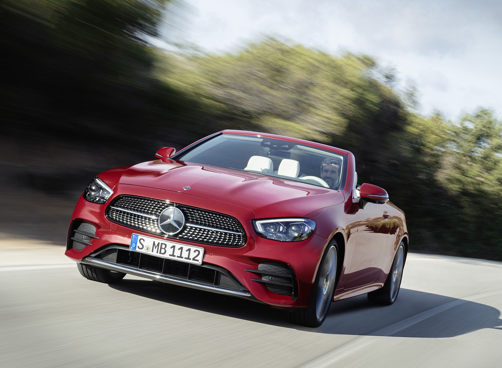 2021 Mercedes-Benz E 450 4MATIC Cabriolet AMG Line (Color: Designo Hyacinth Red Metallic) Front Wallpapers (6)
