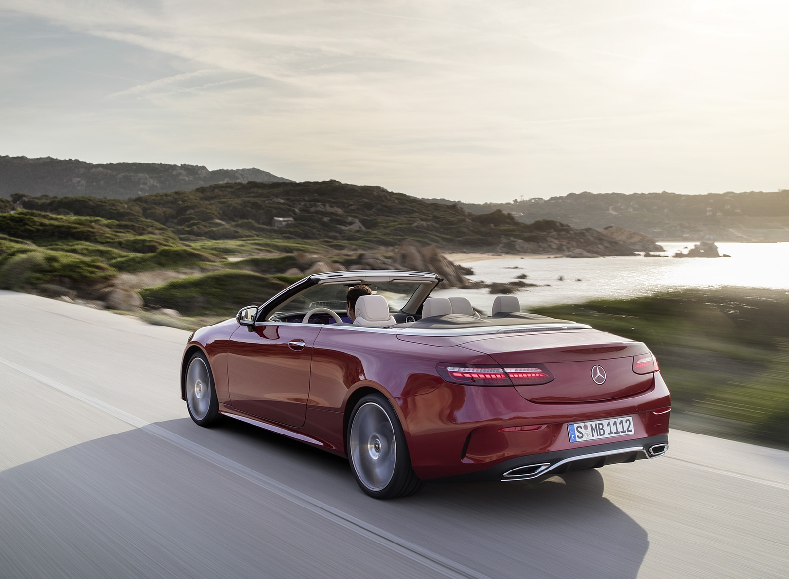 2021 Mercedes-Benz E 450 4MATIC Cabriolet AMG Line (Color: Designo Hyacinth Red Metallic) Rear Three-Quarter Wallpapers (7)