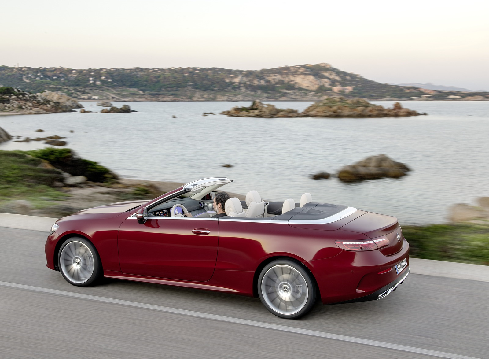 2021 Mercedes-Benz E 450 4MATIC Cabriolet AMG Line (Color: Designo Hyacinth Red Metallic) Side Wallpapers (10)