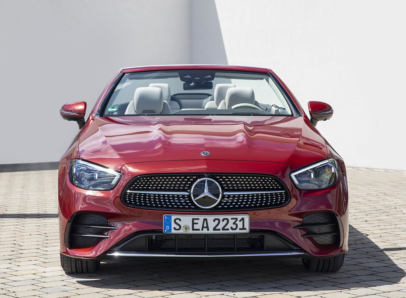 2021 Mercedes-Benz E 450 4MATIC Cabriolet (Color: Patagonia Red) Front Wallpapers (8)