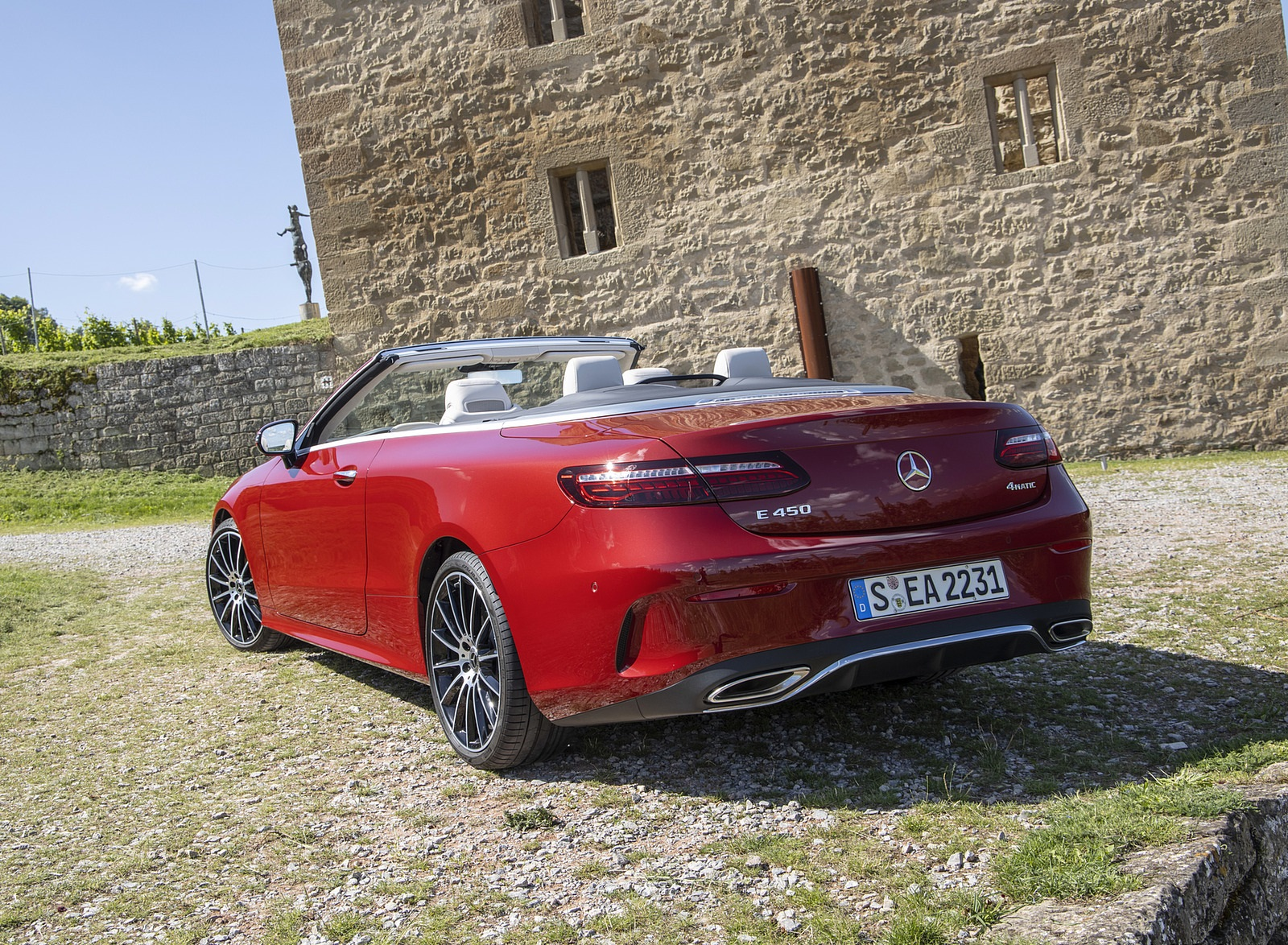 2021 Mercedes-Benz E 450 4MATIC Cabriolet (Color: Patagonia Red) Rear Three-Quarter Wallpapers (10)