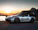 2021 Porsche 911 Targa 4 (Color: Dolomite Silver Metallic) Front Three-Quarter Wallpapers 150x120 (8)