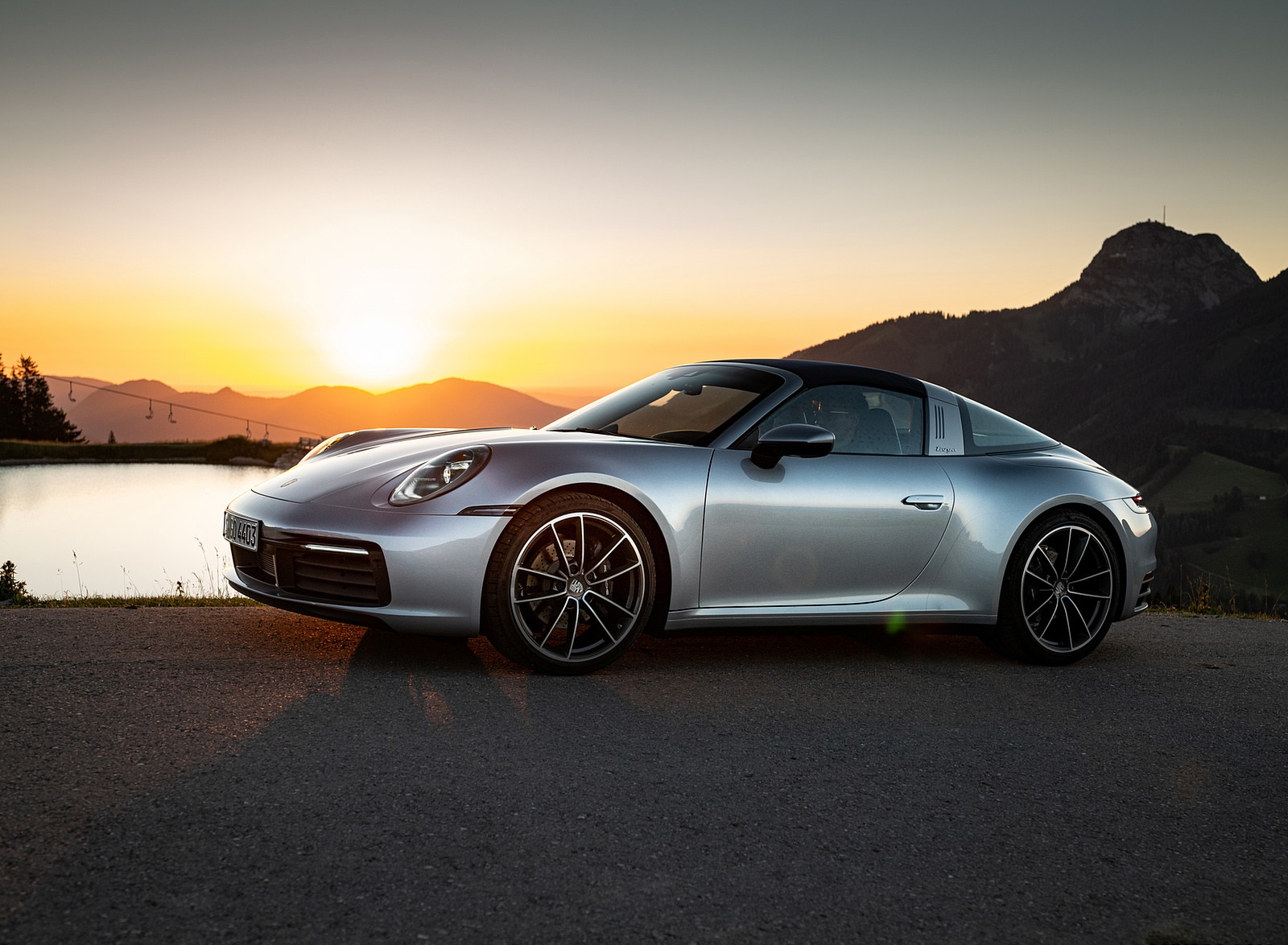 2021 Porsche 911 Targa 4 (Color: Dolomite Silver Metallic) Front Three-Quarter Wallpapers (9)