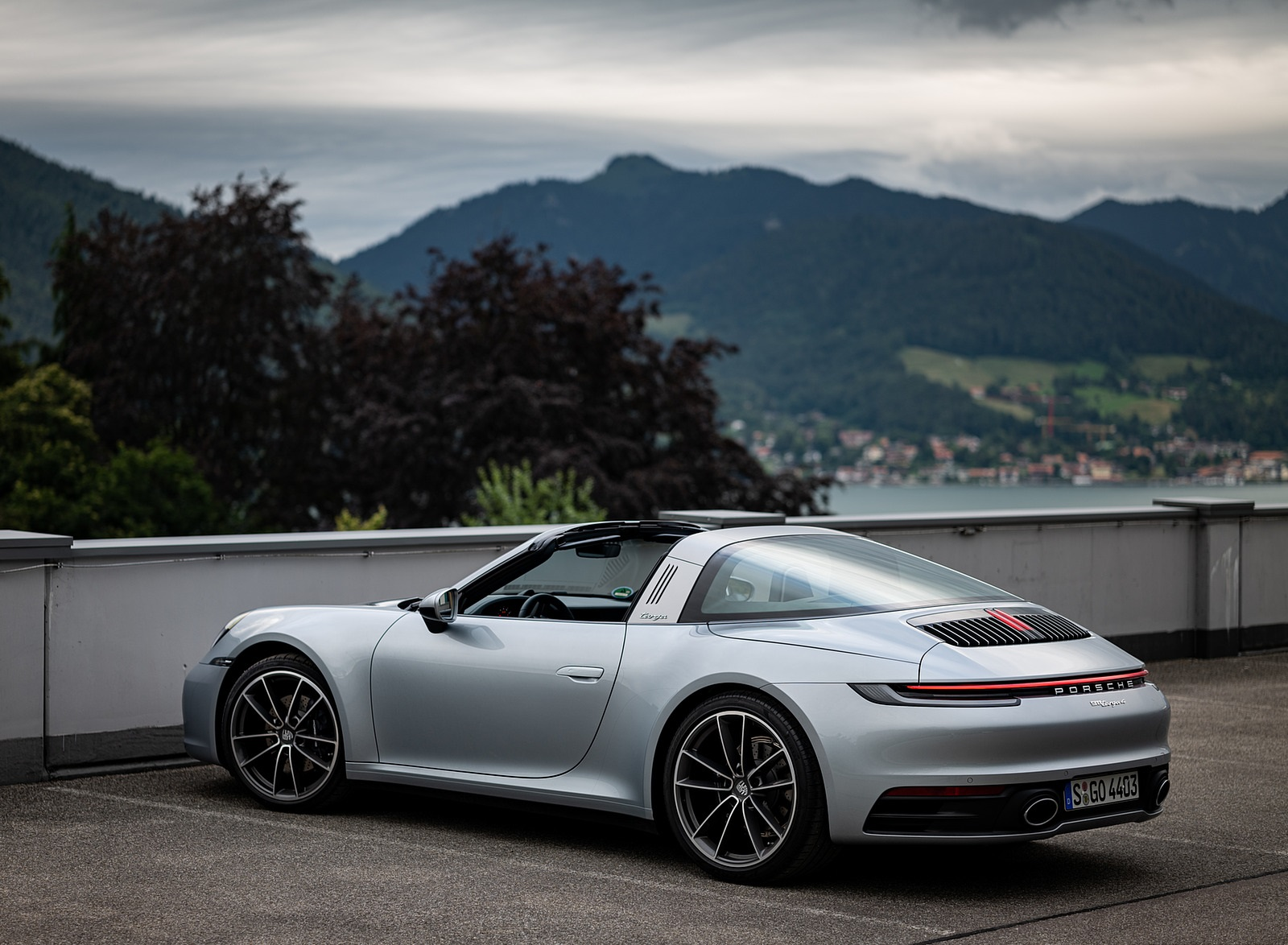 2021 Porsche 911 Targa 4 (Color: Dolomite Silver Metallic) Rear Three-Quarter Wallpapers (2)