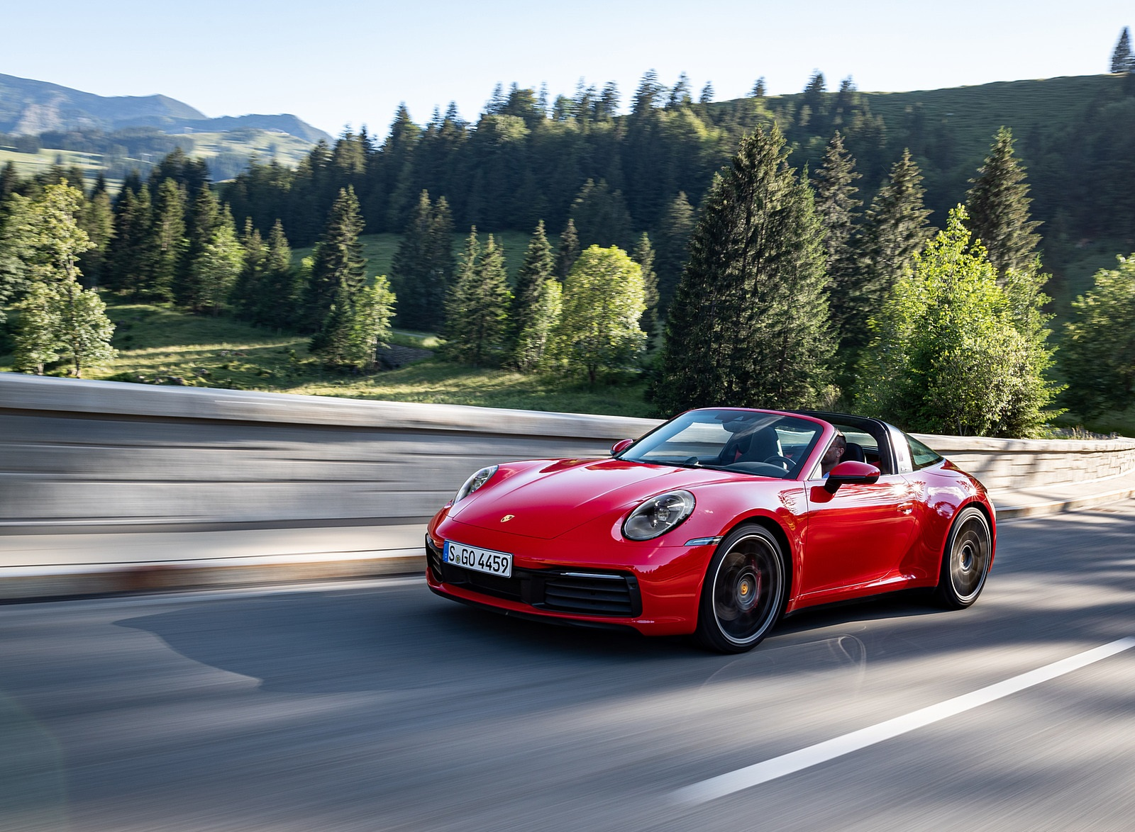 2021 Porsche 911 Targa 4S (Color: Guards Red) Front Three-Quarter Wallpapers (2)