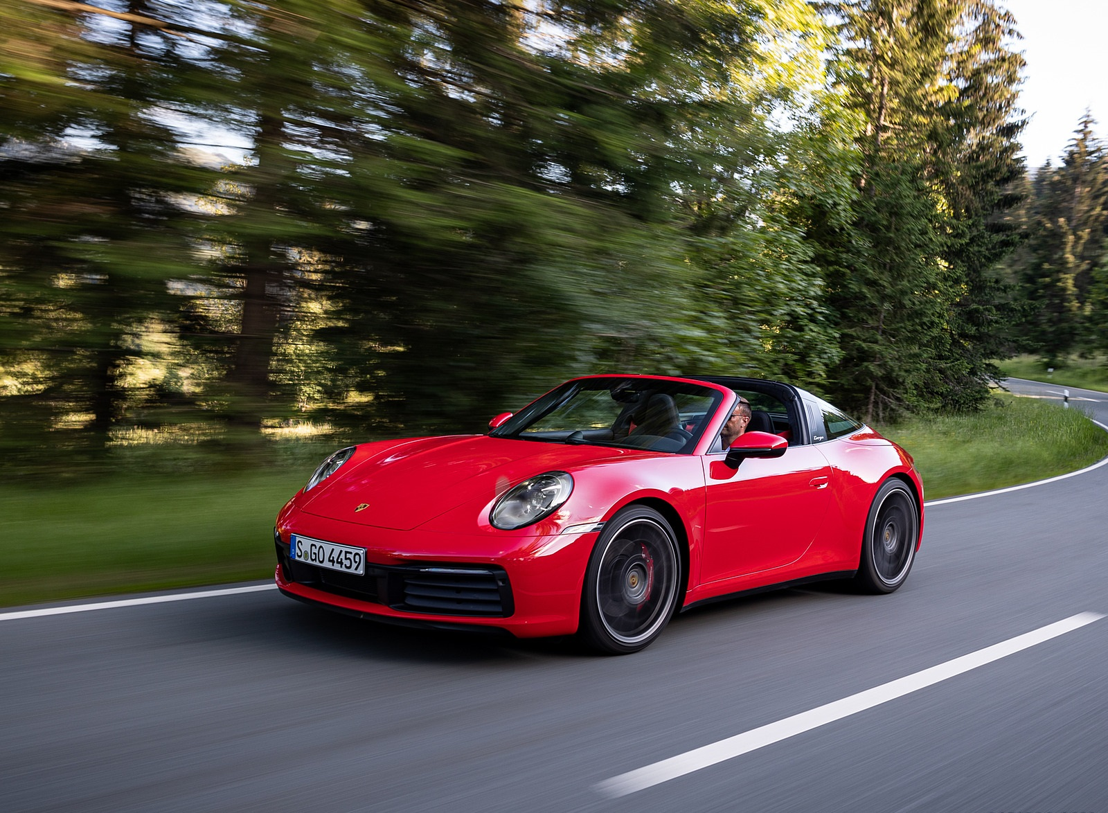 2021 Porsche 911 Targa 4S (Color: Guards Red) Front Three-Quarter Wallpapers (3)