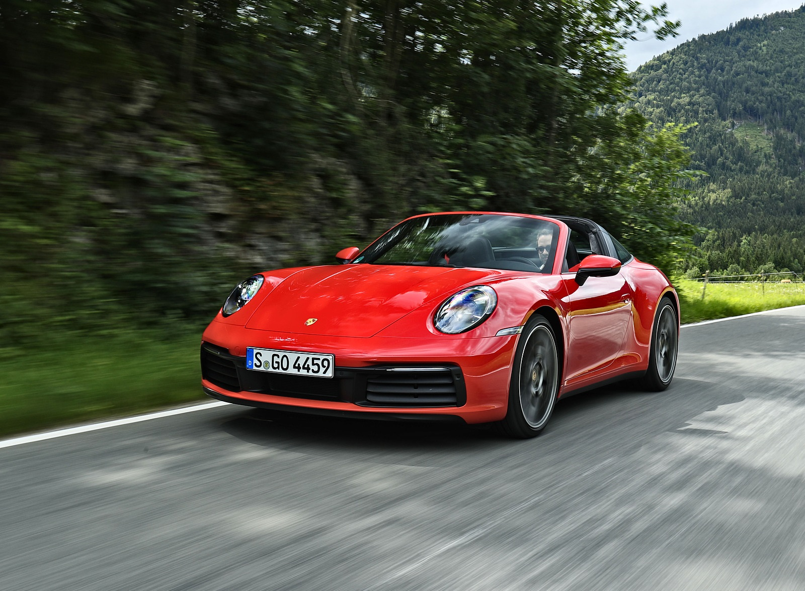 2021 Porsche 911 Targa 4S (Color: Guards Red) Front Wallpapers (1)