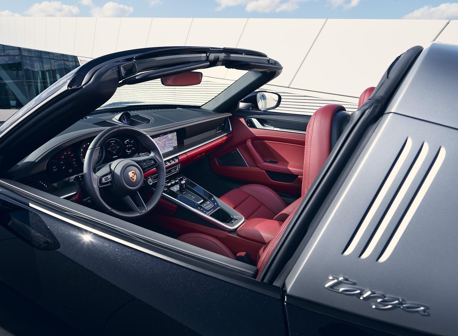 2021 Porsche 911 Targa 4S Interior Wallpapers (6)