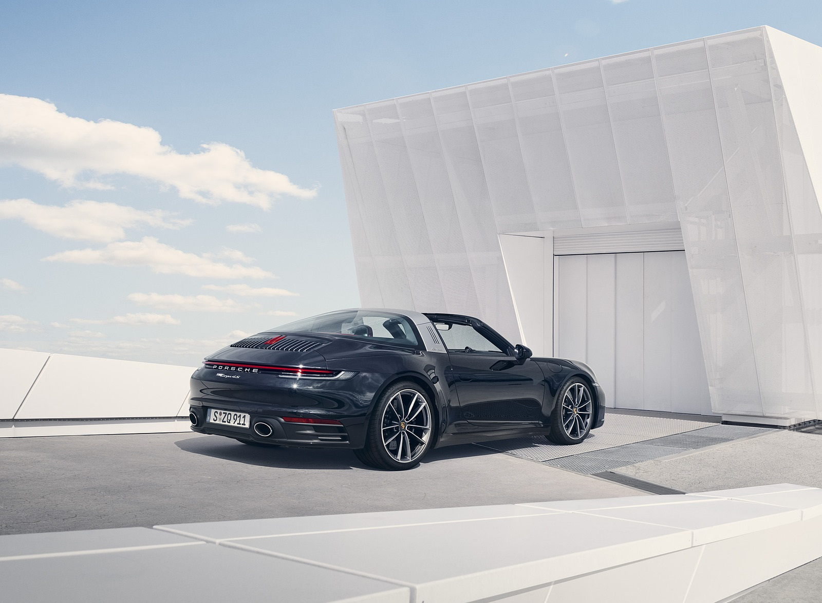 2021 Porsche 911 Targa 4S Rear Three-Quarter Wallpapers (2)