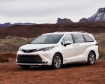 2021 Toyota Sienna Limited Hybrid Front Three-Quarter Wallpapers 150x120 (2)