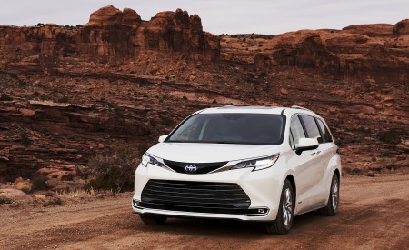 2021 Toyota Sienna Limited Wallpapers & HD Images