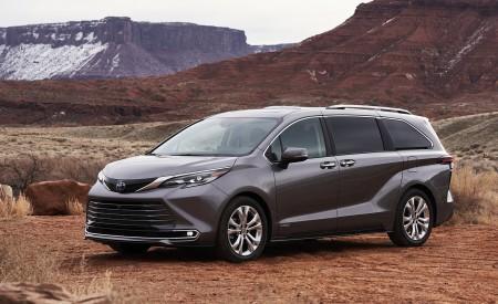 2021 Toyota Sienna Platinum Hybrid Front Three-Quarter Wallpapers 450x275 (4)
