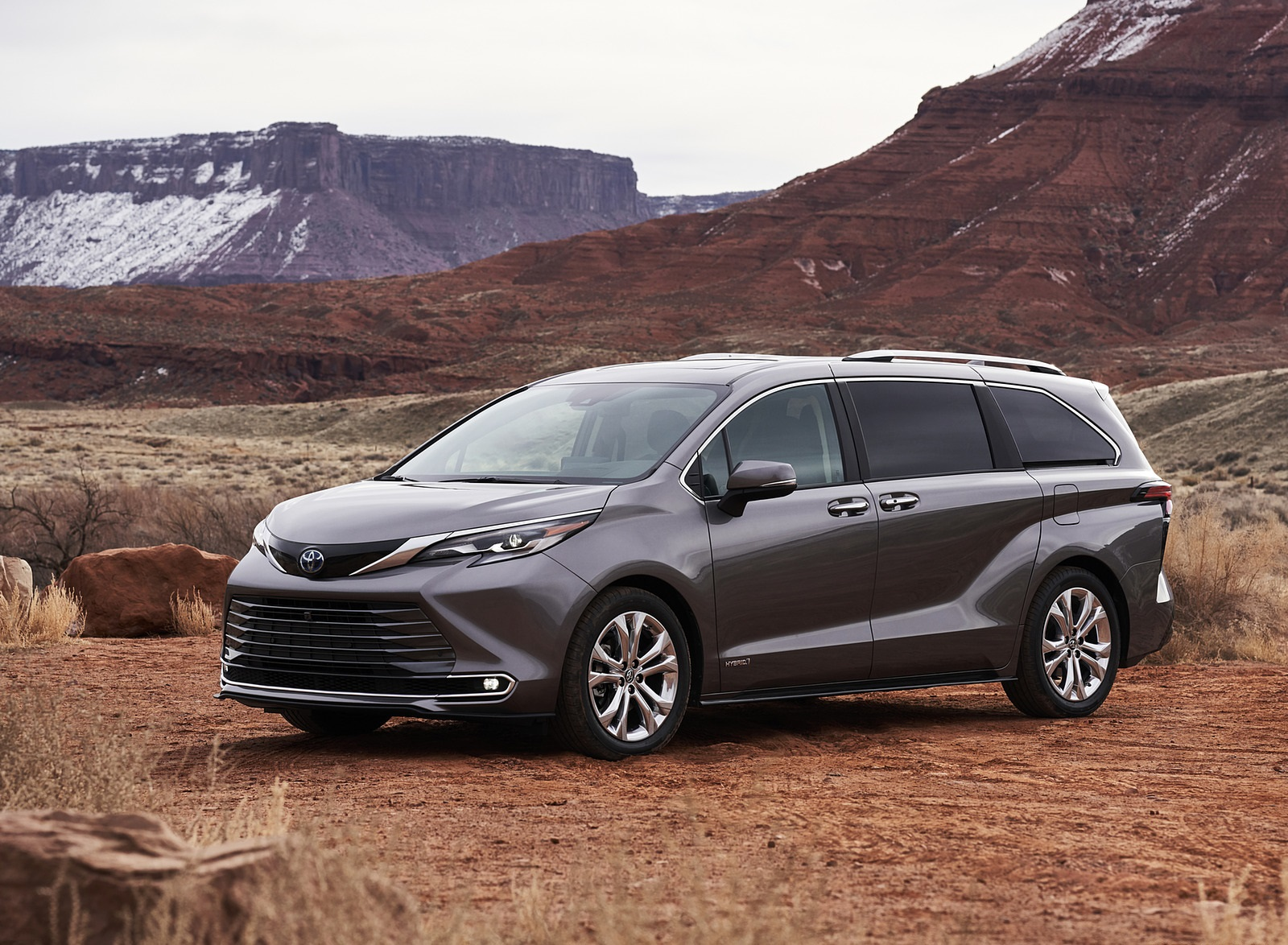2021 Toyota Sienna Platinum Hybrid Front Three-Quarter Wallpapers (4)