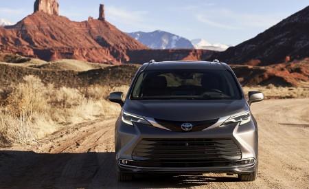 2021 Toyota Sienna Platinum Hybrid Front Wallpapers 450x275 (3)