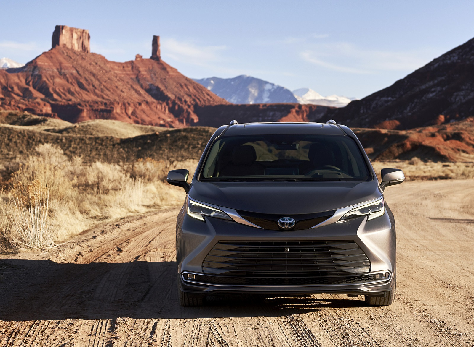 2021 Toyota Sienna Platinum Hybrid Front Wallpapers (3)
