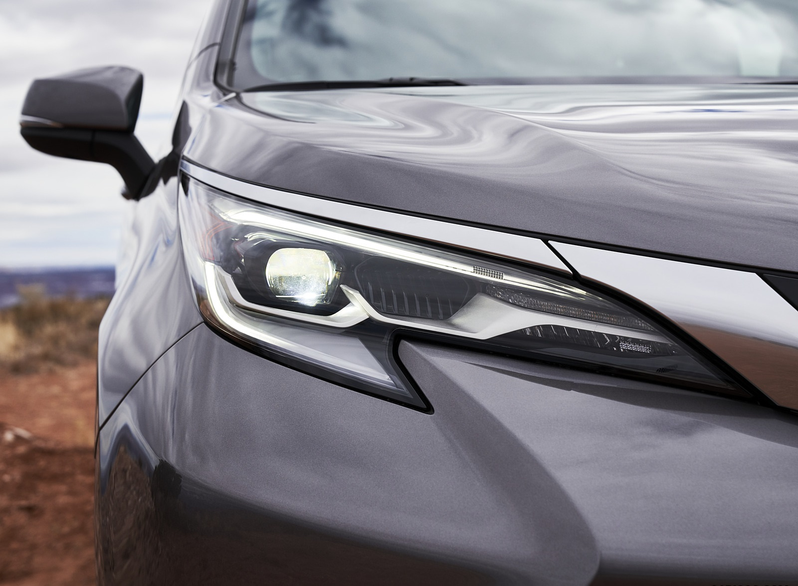 2021 Toyota Sienna Platinum Hybrid Headlight Wallpapers (9)