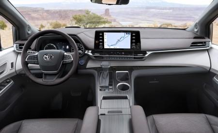 2021 Toyota Sienna Platinum Hybrid Interior Cockpit Wallpapers 450x275 (15)