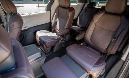 2021 Toyota Sienna Platinum Hybrid Interior Seats Wallpapers 450x275 (16)