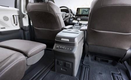 2021 Toyota Sienna Platinum Hybrid Interior Wallpapers 450x275 (14)