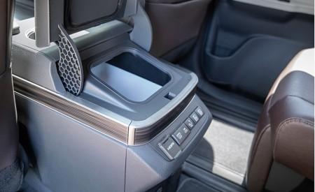 2021 Toyota Sienna Platinum Hybrid Onboard Refrigerator Interior Detail Wallpapers 450x275 (17)