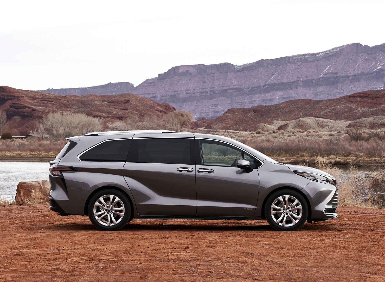 2021 Toyota Sienna Platinum Hybrid Side Wallpapers (8)